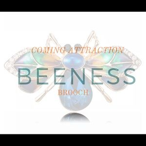 """COMING ATTRACTION 💙💙 """"Beeness"""" Brooch 🐝"""